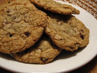 chocolate toffee pecan cookies