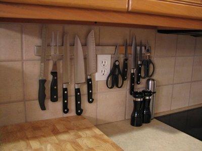 knife rack lynn 39 s kitchen adventures. Black Bedroom Furniture Sets. Home Design Ideas