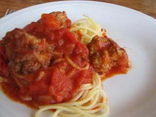 meatballs, sauce and pasta