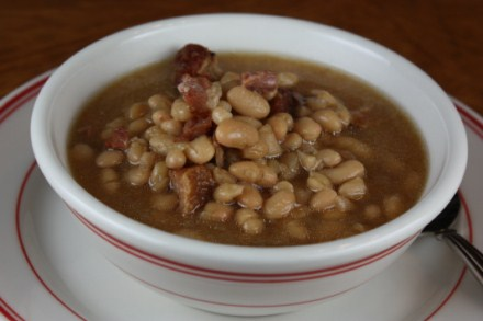 slow cooked bean with bacon soup