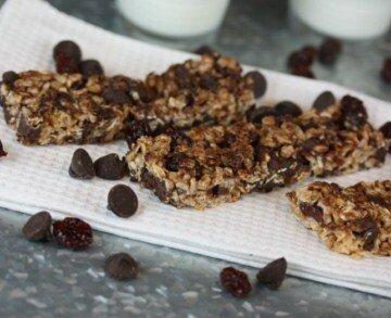 dark chocolate cherry granola bars