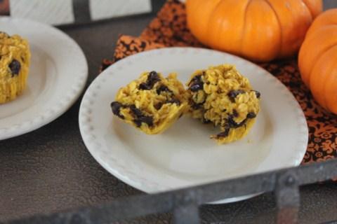Baked Chocolate Chip Pumpkin Oatmeal Muffins