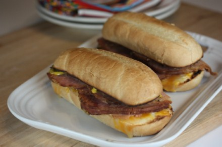 Crock Pot Deli Style Ham Sandwiches