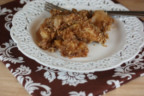 Crock Pot Caramel Apple Crisp from LynnsKitchenAdventures.com