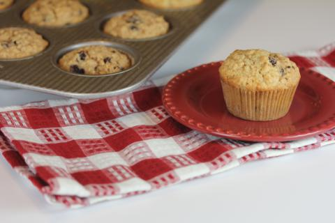 Gluten Free Cinnamon Oatmeal Breakfast Muffin
