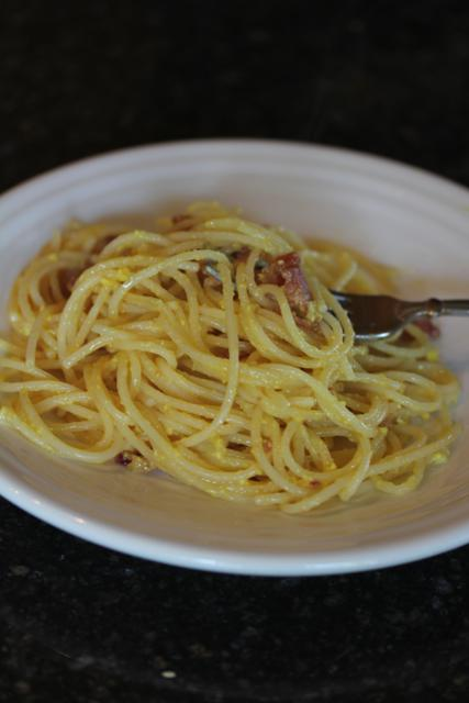 Gluten Free Spaghetti Carbonara { Quick and Easy Gluten Free Dinner}