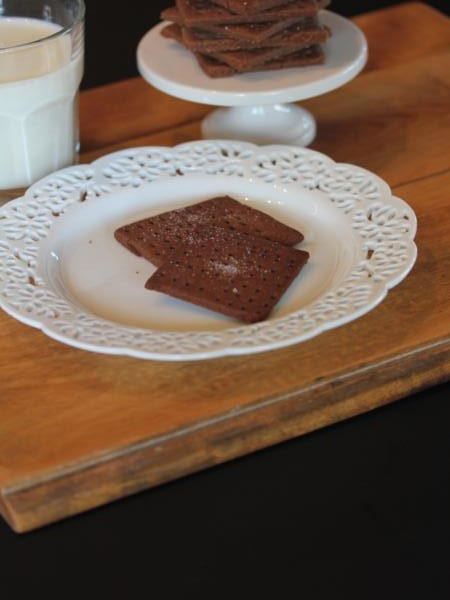 gluten free chocolate graham crackers -