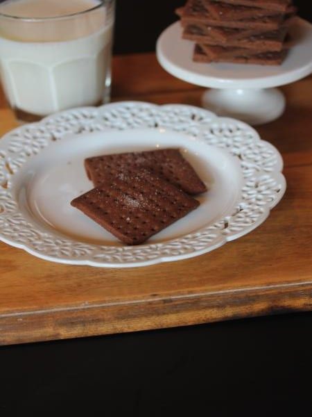 gluten free chocolate graham crackers-