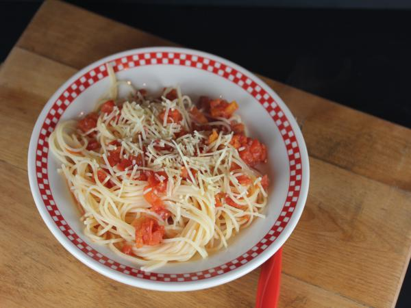 Spaghetti with Simple Tomato Sauce-