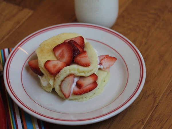 Berry Cream Pancakes