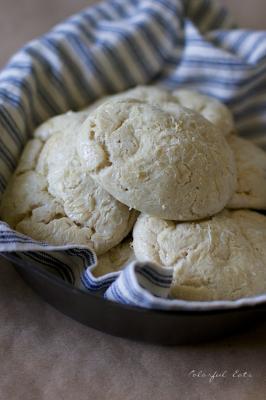 Grain free & Paleo Fluffy, White Bread Rolls -
