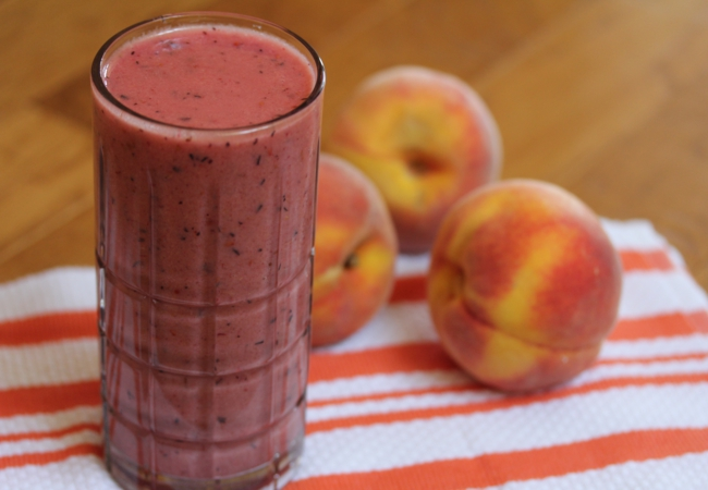 Peach Banana Berry Smoothie-