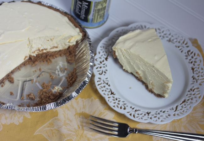 Mom's Creamy Lemon Pie-