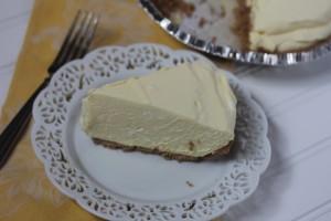 Mom's Creamy Lemon Pie