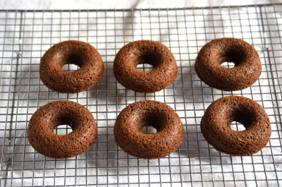 Baked-Double-Chocolate-Doughnuts-1