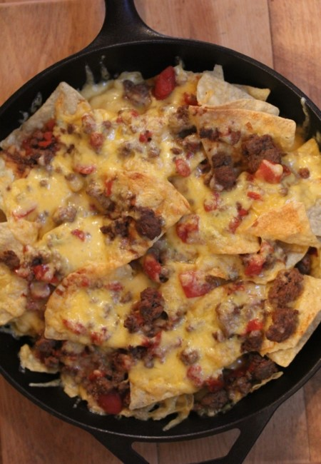 Chili Cheese Nachos Quick And Easy Dinner