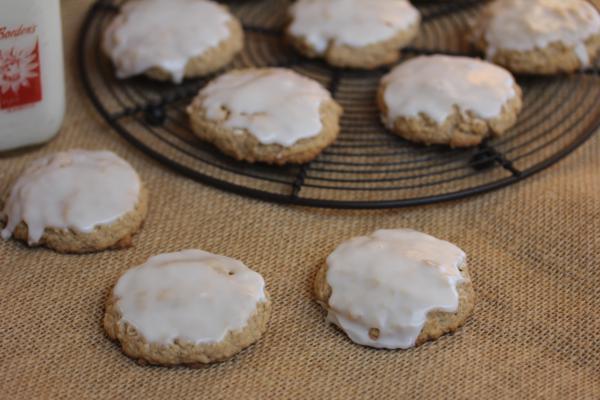 Gluten Free Iced Oatmeal Cookies__