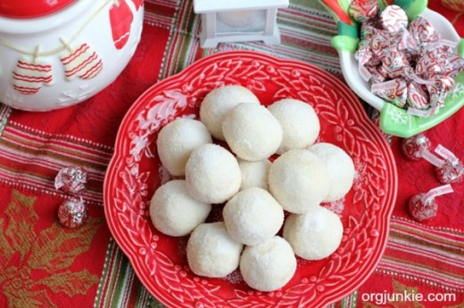 Cherry-Snowball-Christmas-Cookies-2