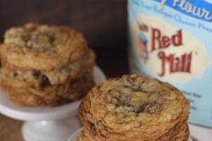 Gluten Free Chocolate Chip Oatmeal Cookies__