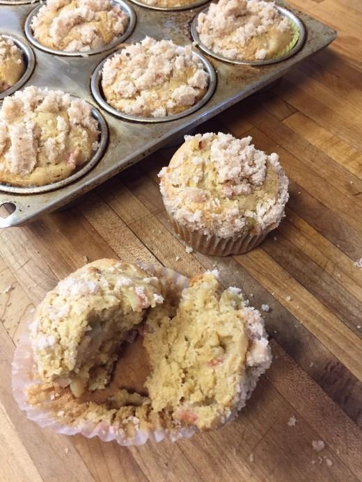 Rhubarb Muffins-