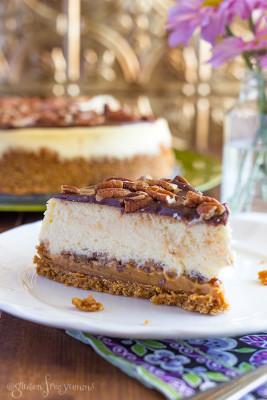 turtle-cheesecake-granola-crust-2 (1)