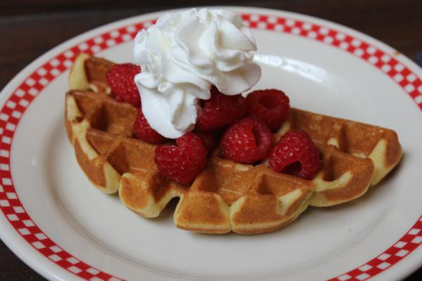 Light and Fluffy Waffles_