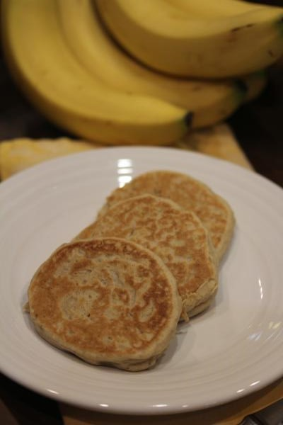 Easy Whole Wheat Banana Pancakes