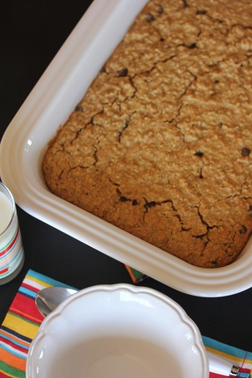 Peanut Butter Chocolate Chip Baked Oatmeal