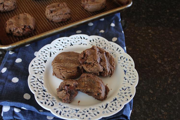 chocolate flourless peanut butter cookies