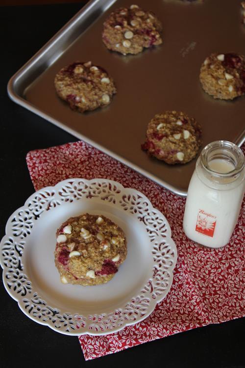 Raspberry Oatmeal Breakfast Cookies - Lynn's Kitchen ...