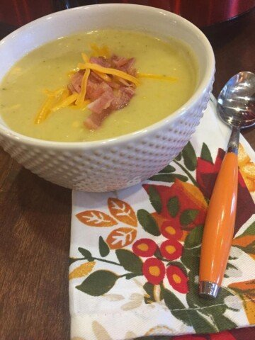 Slow Cooked Cheesy Vegetable Potato Soup