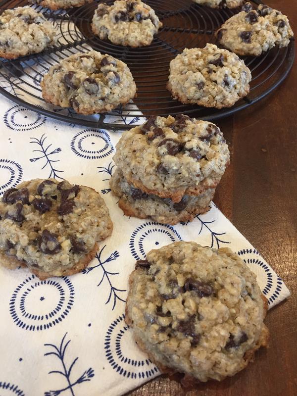 Flourless Oatmeal Chocolate Chip Cookie
