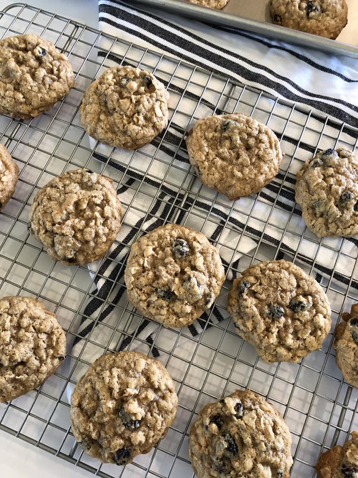 Chewy Gluten Free Oatmeal Raisin Cookies
