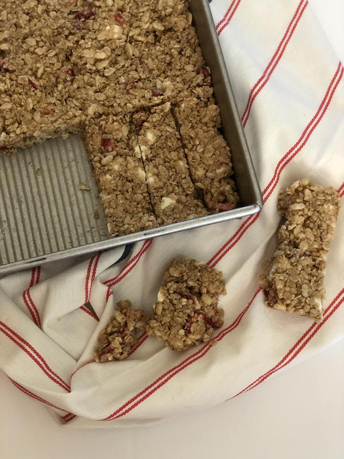 White Chocolate Berry Granola Bars Recipe